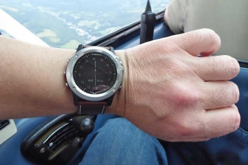 Garmin-D2-Bravo-pilot-watch-lead.jpg